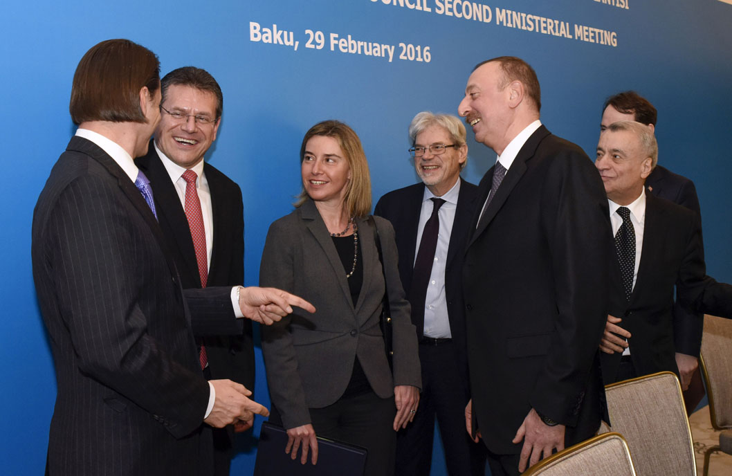 Amos Hochstein, US Special Envoy and Coordinator for International Energy Affairs, Maroš Šefčovič, Federica Mogherini (from left ro right) and Ilham Aliyev, Azerbaijan President, 3rd from left, discuss after the press conference of the second founding meeting of the Advisory Council on the Southern Gas Corridor, on 29 February in Baku, Azerbaijan, (from left to right).